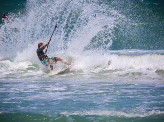 Saako surffaamisesta ja uhkapelaamisesta enemmän adrenaliinia